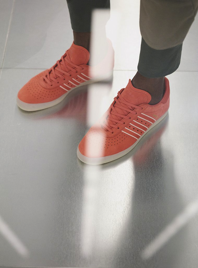 ADIDAS x OYSTER 350 SNEAKER (TRACE SCARLET)
